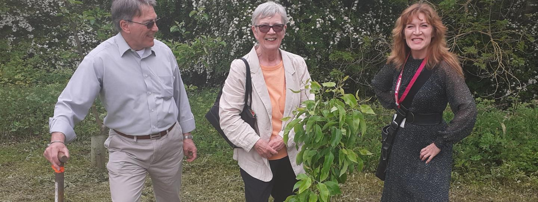 Volunteers at Tree Planting